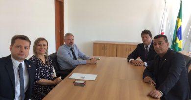 Presidentes do SINDPECRI e da ACEMG se reúnem com chefe da PCMG e conselheiros